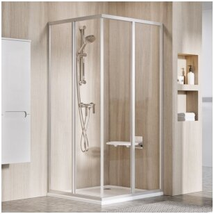 Kvadratinės dušo kabinos – vis dar madingos